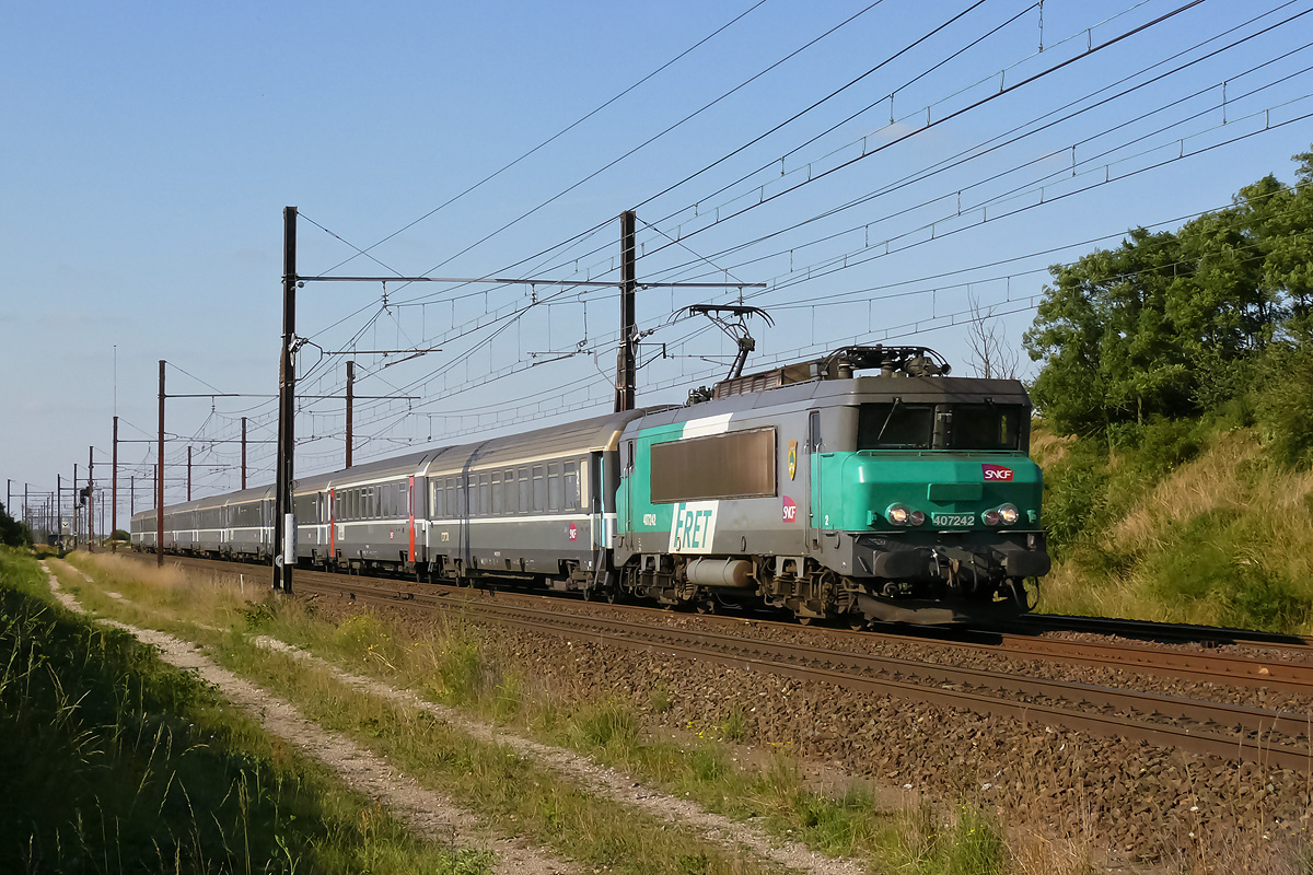 Photos de bb 7242 sur l 39 aqualys 14061 paris for Train tours paris austerlitz